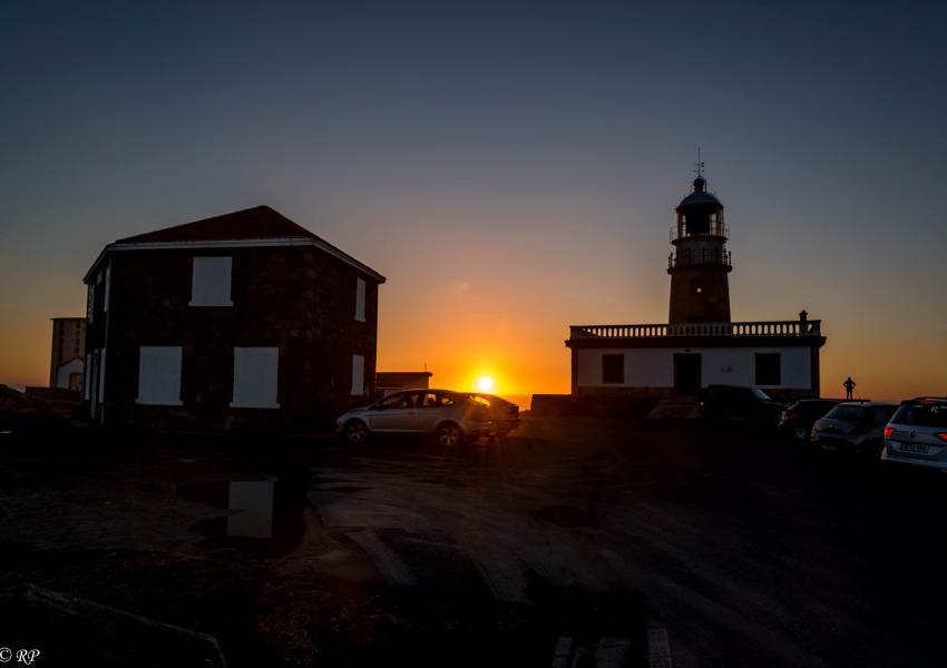 Posta de Sol no Faro de Corrubedo