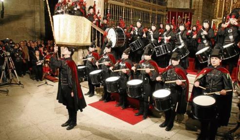 «Escola e Real Banda de Gaitas 1985-2016» recopila 30 años de historia de esta agrupación musical de la Deputación de Ourense.