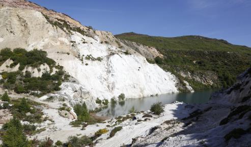 El CSIC anuncia el hallazgo del mineral, estratégico para la Unión Europea, en una zona de Viana do Bolo.