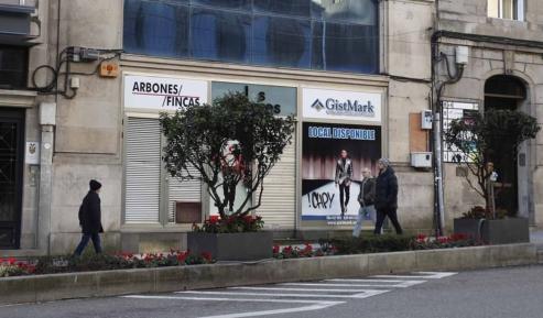 En Galicia quebraron 1.200 negocios, la mayoría de autónomos, y se suman también grandes firmas de moda.
