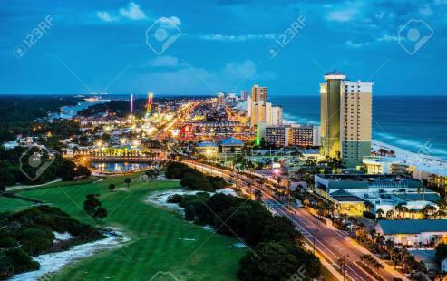 Feijóo y el alcalde del condado de Miami-Dade apuestan por establecer sendos corredores, aéreo y marítimo, para potenciar el turismo // Quiere la Xunta aprovechar el auge del Camino para atraer a los estadounidenses con raíces gallegas // Intercambios entre puertos de ambas comunidades.