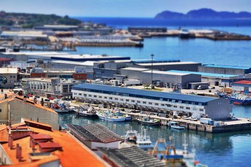El puerto vigués tuvo peores datos en la comparativa estatal en contenedores y carga
