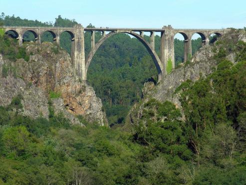 Puente de Vedra sobre el rio Ulla