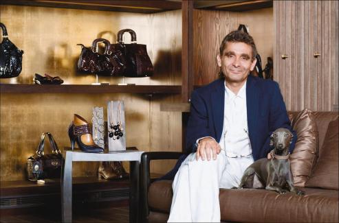 Ya van 6 trimestres seguidos de crecimiento de las ventas de Adolfo Dominguez.