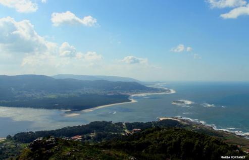 Los miradores son lugares estrategicos, desde los cuales se pueden contemplar paisajes de belleza sin igual de Galicia.