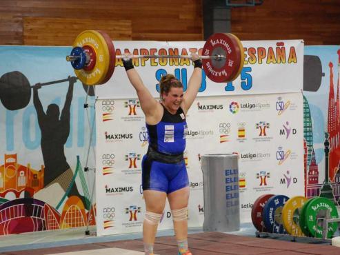 Logró tres oros al levantar 91 kilos en arrancada, 112 en dos tiempos y 203 en el total olímpico y es la primera española que lo consigue en un campeonato mundial sub-17.