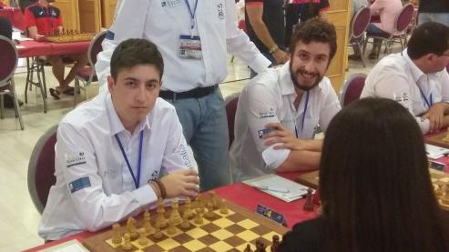 Adrián Gómez, un estudiante de Veterinaria, medalla de plata en el torneo universitario de ajedrez.