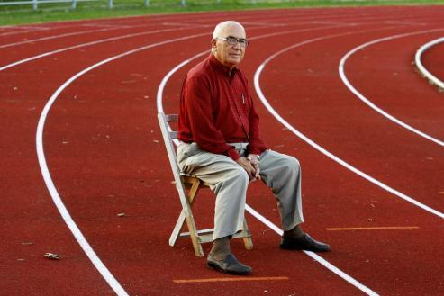 El presidente emérito del Celta va a cumplir 75 años como colaborador de FARO, labor que comenzó a los 14.