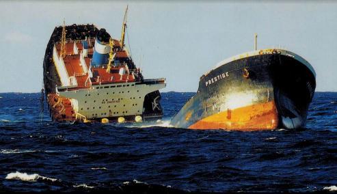 El dispositivo de separación de tráfico de Fisterra identificó 36.014 barcos en 2017 - De ellos, un total de 12.714 transportaban hidrocarburos como los que cargaba el Prestige.