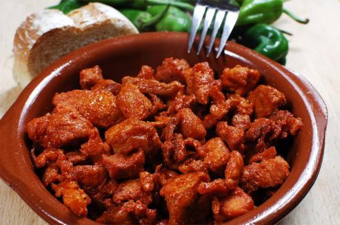 """La ZORZA es la carne adobada para la fabricación de los """"Chorizos"""" y cualquier epoca del año es buena para su degustación."""