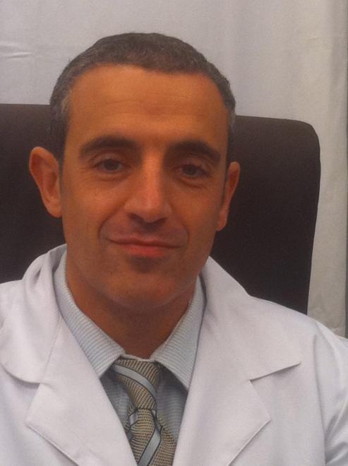 Manuel Ruibal Moldes, natural de Xeve, es jefe del servicio de Uroloxía del CHOP.