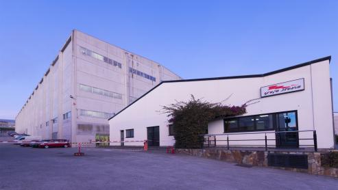 La compañía gallega moviliza más de 120 millones de prendas de ropa al año y da trabajo a 2.700 personas.
