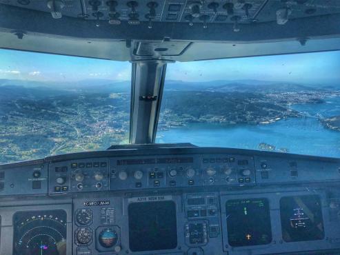 La foto fué tomada minutos antes de que el avión tomara tierra en el aeropuerto de Peinador.