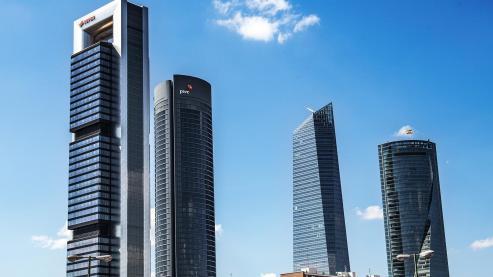 El empresario invirtió el año pasado 416 millones en ladrillo y ganó 1.817 millones, incluyendo Inditex.