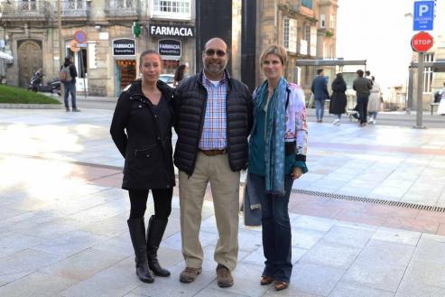 Cuatro grupos de EE UU estudian sobre el terreno las posibilidad de realizar escalas  La directora de Turismo de Galicia, Nava Castro, ayer con Kirstin Budgett y Ravi Pavade.