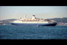 Película de los mayores cruceros del mundo arribando al puerto de Vigo
